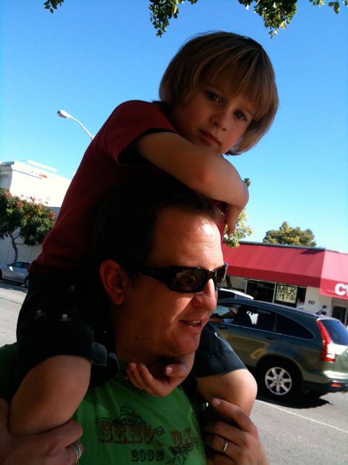 Matthias_Riding_Daddys_Shoulders